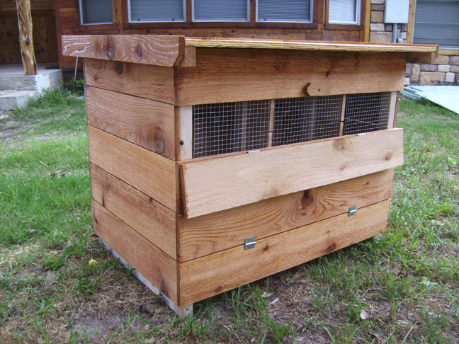 Ventilation For Chickens : Tips for keeping chickens warm in the cold weather
