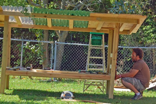 8 free chicken coop plans made from recycled material for Diy movable chicken coop