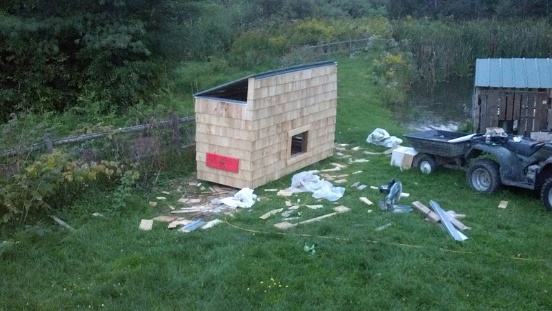 picture-heavy plans for building your own backyard hen house
